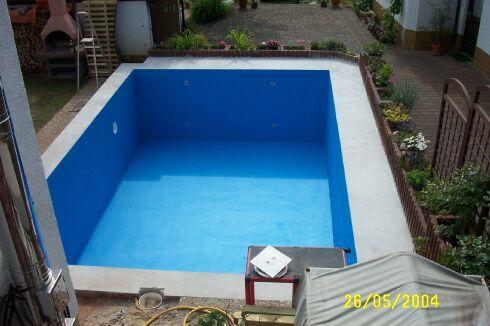 Poolbaude Streichen - Pool fliesen oder streichen